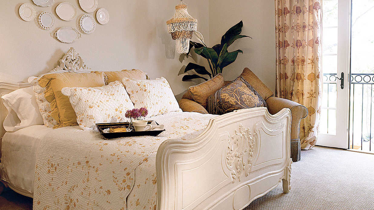 appealing bedroom design | Antique Appeal - Gracious Guest Bedroom Decorating Ideas ...