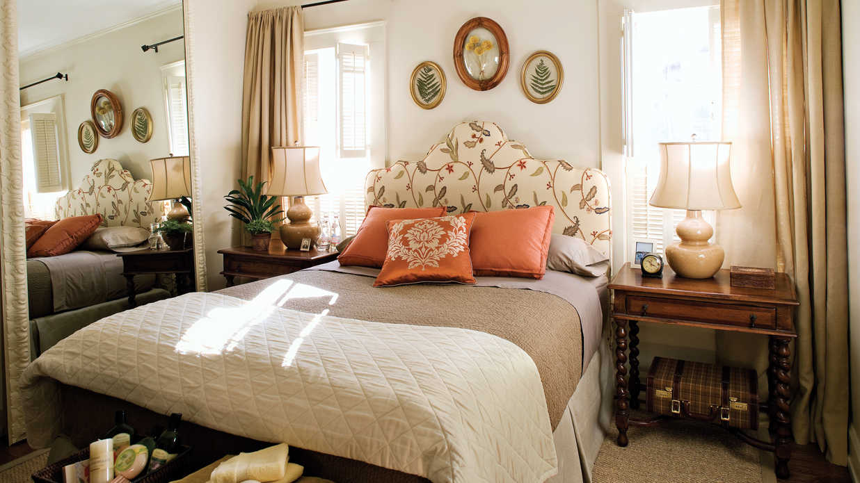 Welcoming Room - Gracious Guest Bedroom Decorating Ideas ...