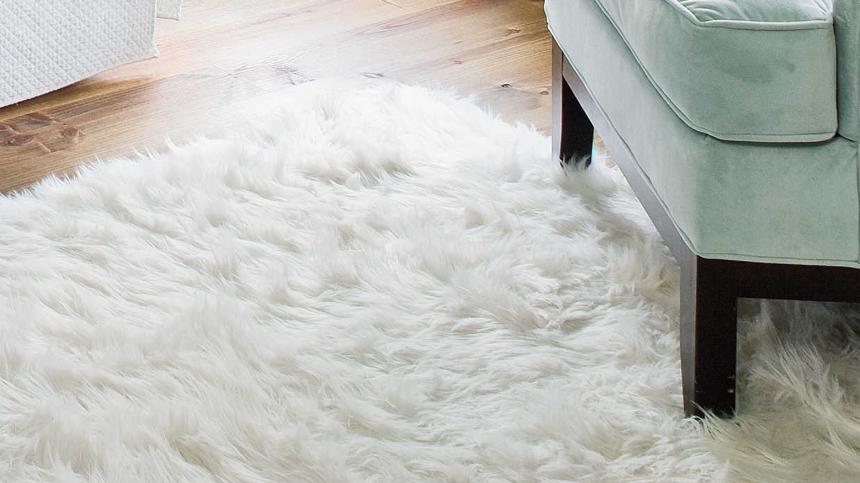 Style Guide: Fashionable Bedroom Flooring