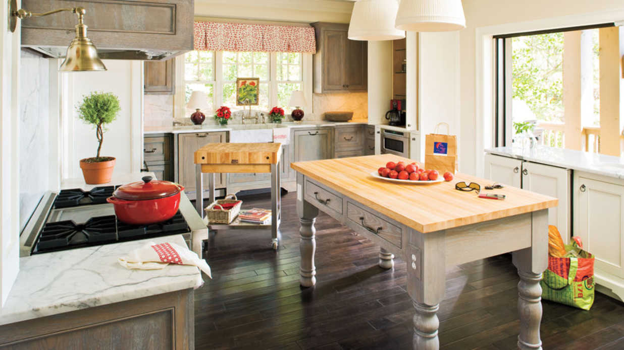Convenient country kitchen idea house kitchen design for Southern style kitchen ideas