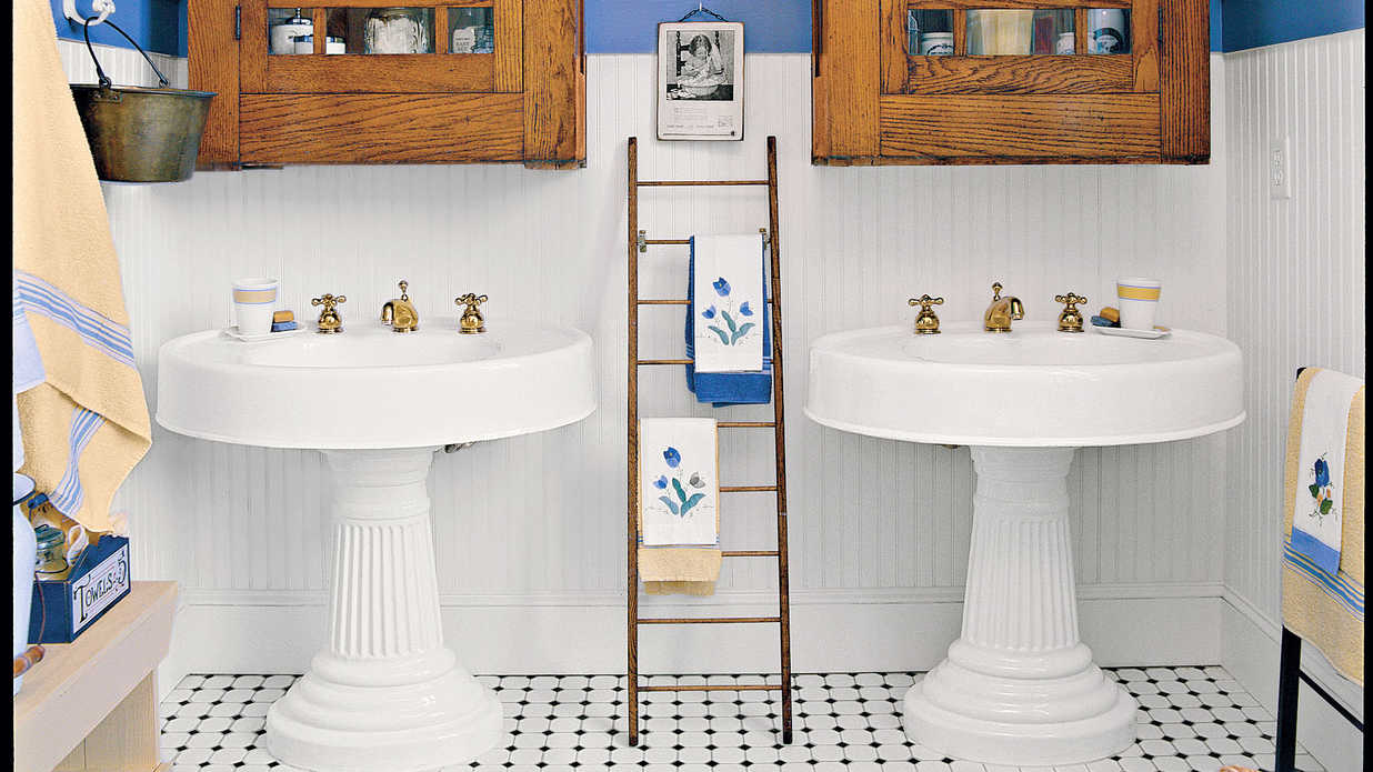 Southern Living Bathroom Decorating Ideas : Antique coastal bathroom beach inspired