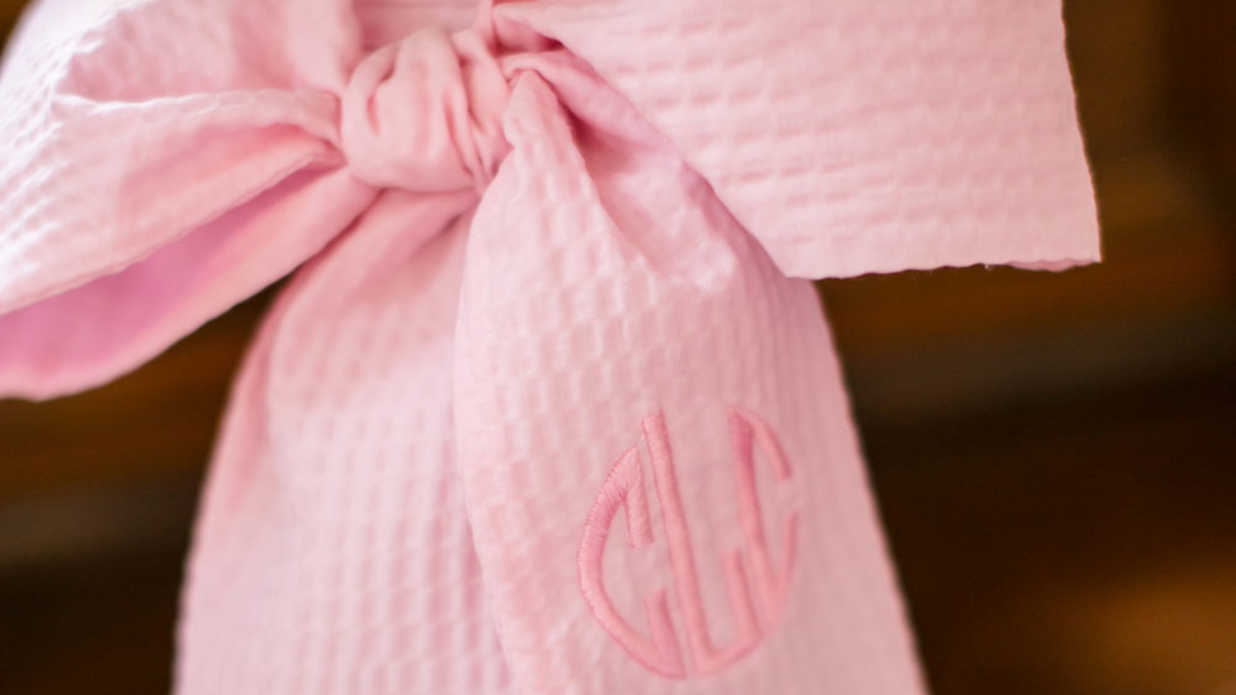 Tie the Knot with Decorative Bows