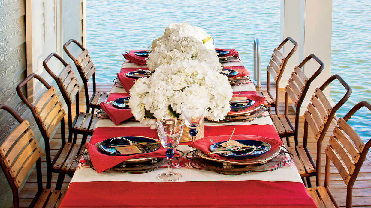 & A Patriotic Table Setting - Southern Living