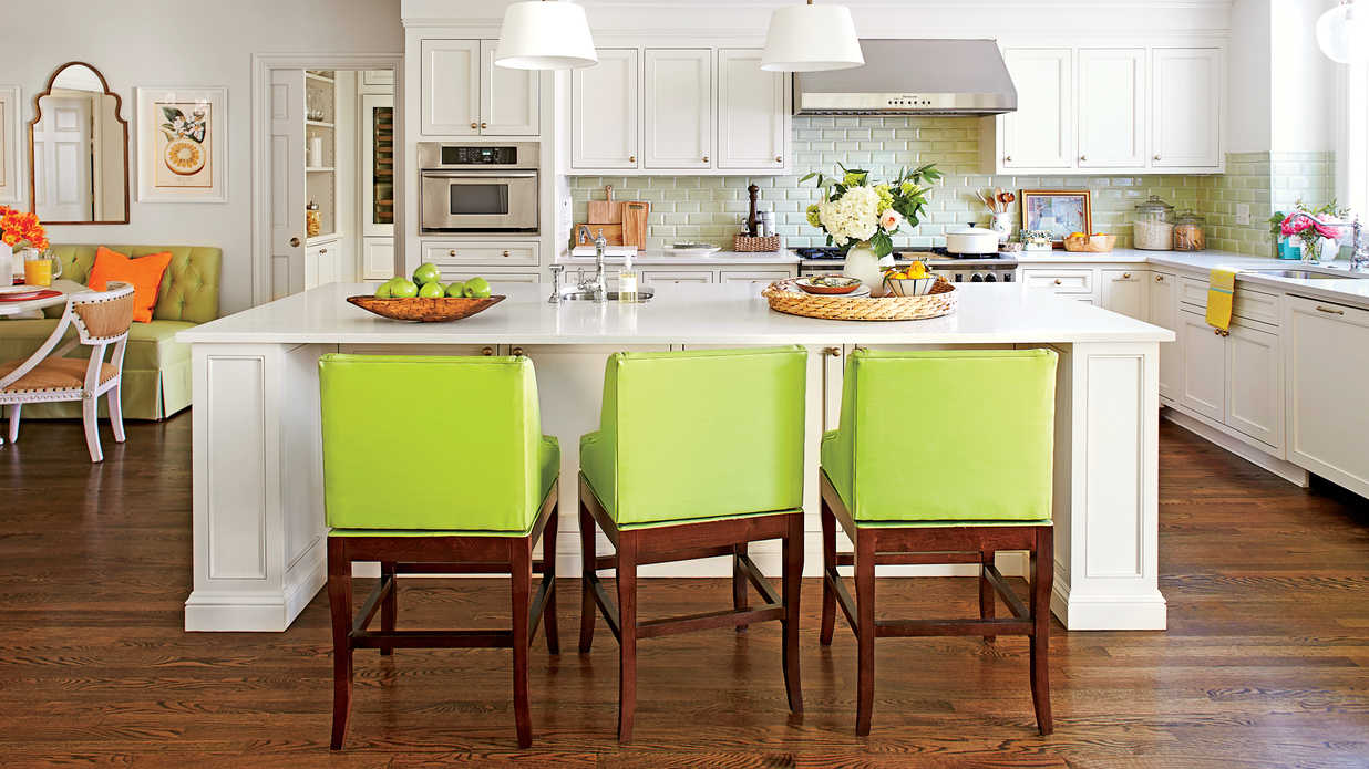 Stylish kitchen island ideas southern living - How to decorate a kitchen island ...