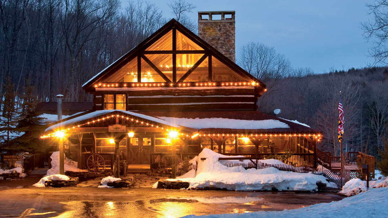 Winter weekend maryland 39 s deep creek lake southern living for Where to go for a white christmas in usa