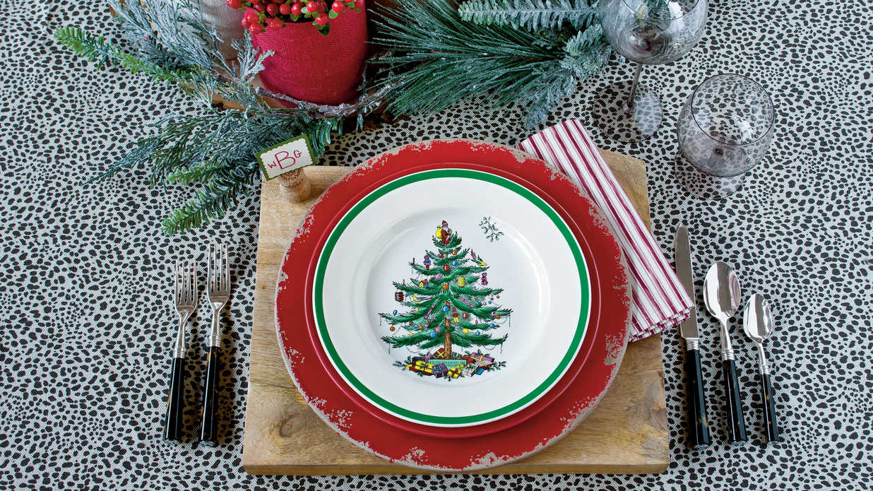 5 New Ways with Classic Christmas China