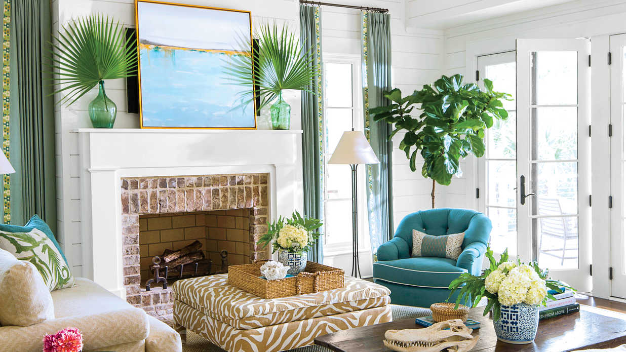Coastal Living Rooms.  Beach Living Room Decorating Ideas Southern