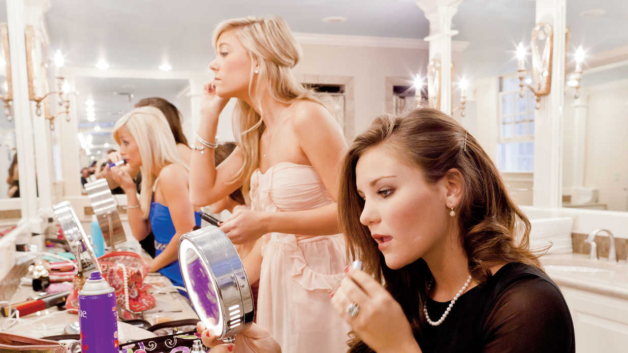 The 6 Makeup Brushes Every Southerner Needs