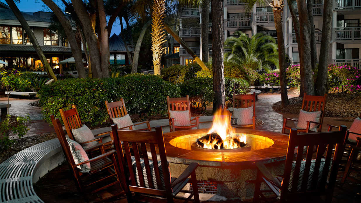Hotels for fall weekend getaways southern living for Best weekend getaways in the south