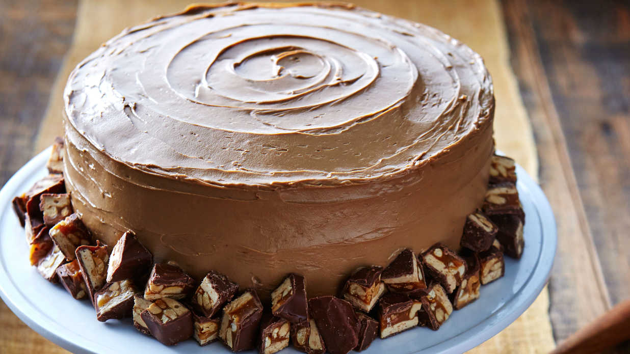 Good Layered Cake Recipes: Snickers Cake Recipe