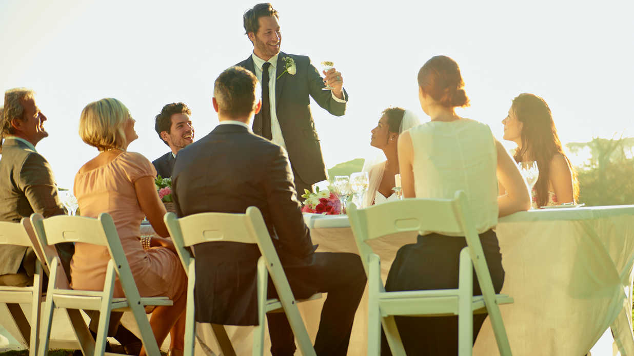 8 Wedding Party Dos and Don'ts