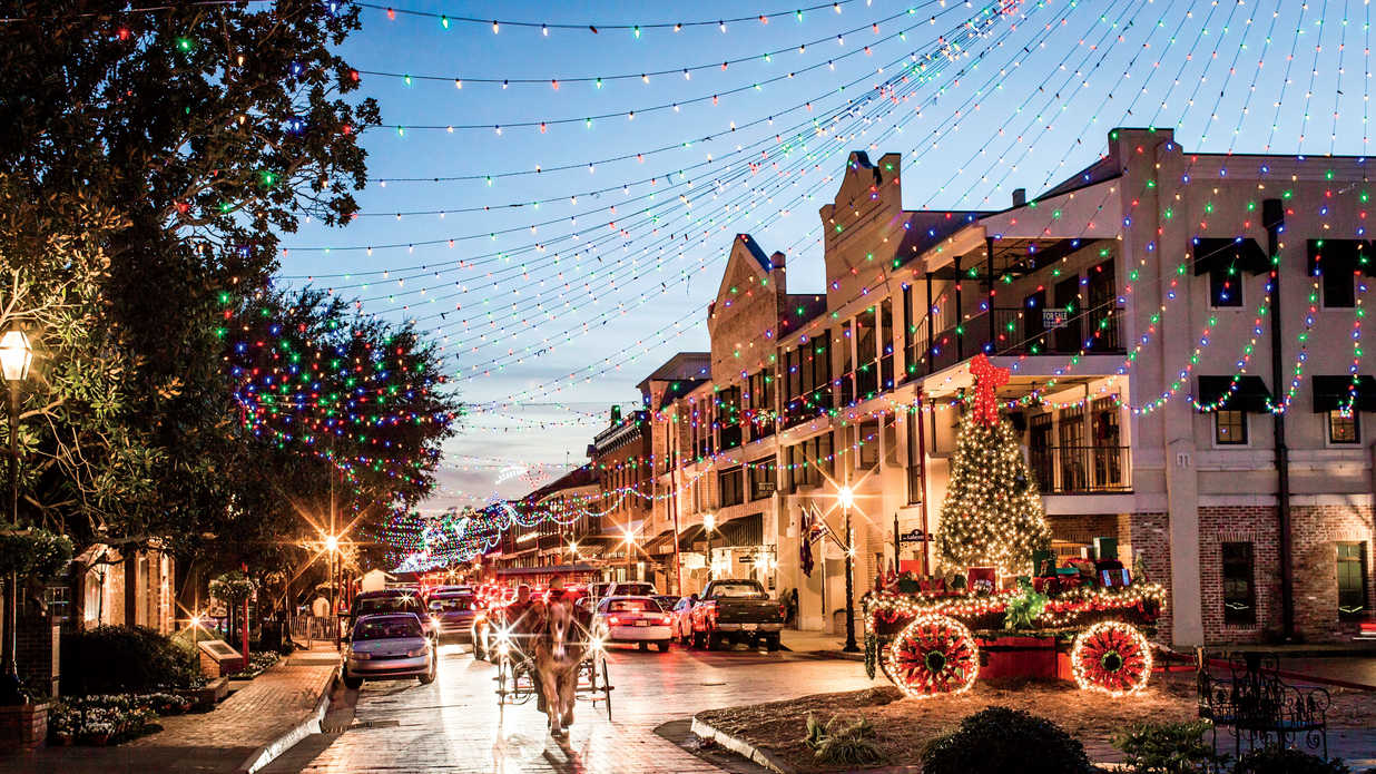 The South's Best Historic Christmas Home Tours