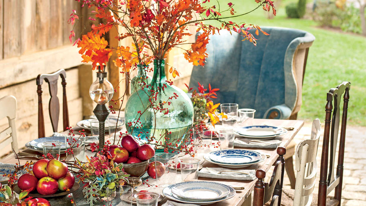 7 Thanksgiving Centerpieces You Can't Kill