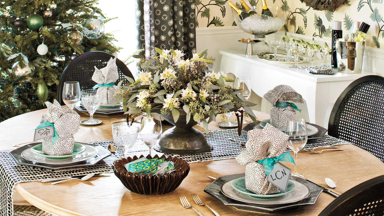 christmas table setting southern living