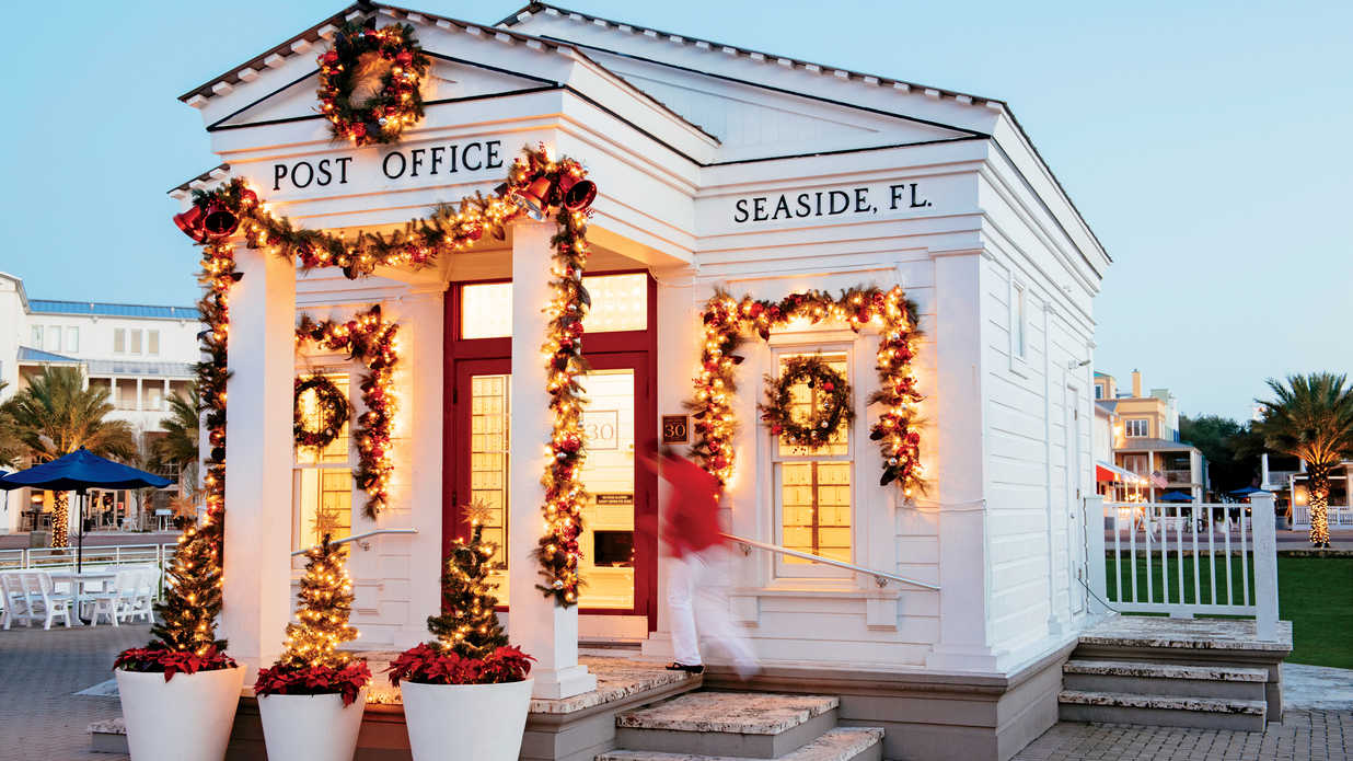 We're Dreaming of a Coastal Christmas