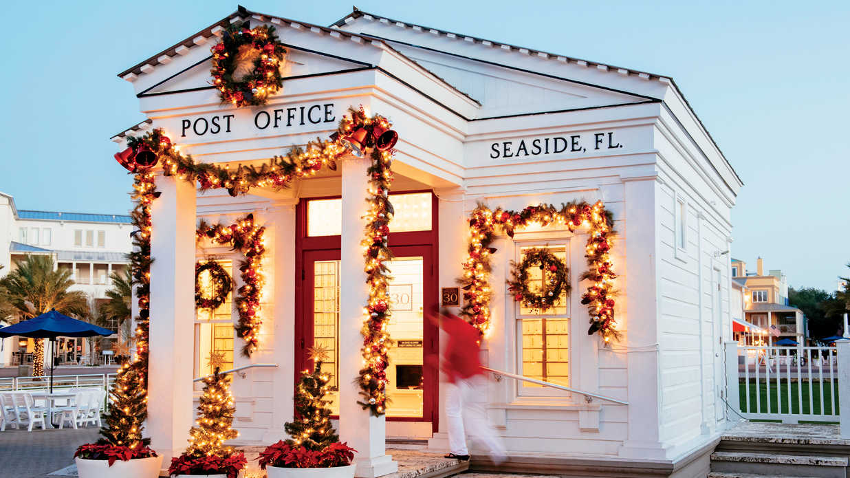 04db9818cb6ef The Best Small Towns for Christmas in the South