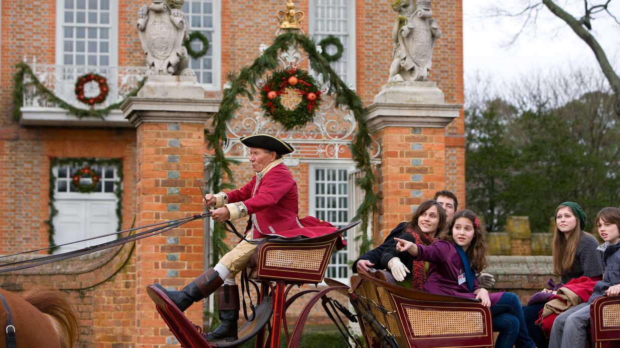 12 Ways to Celebrate Christmas Around the South