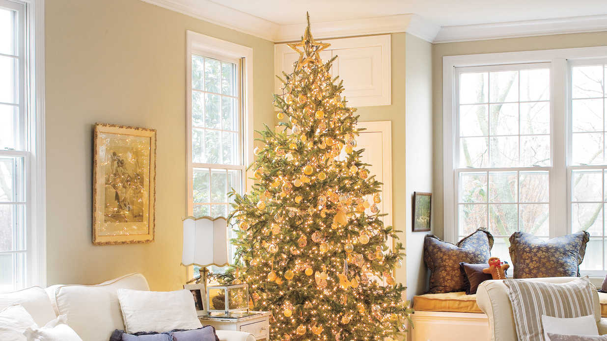 Vintage-Inspired Christmas Decorating