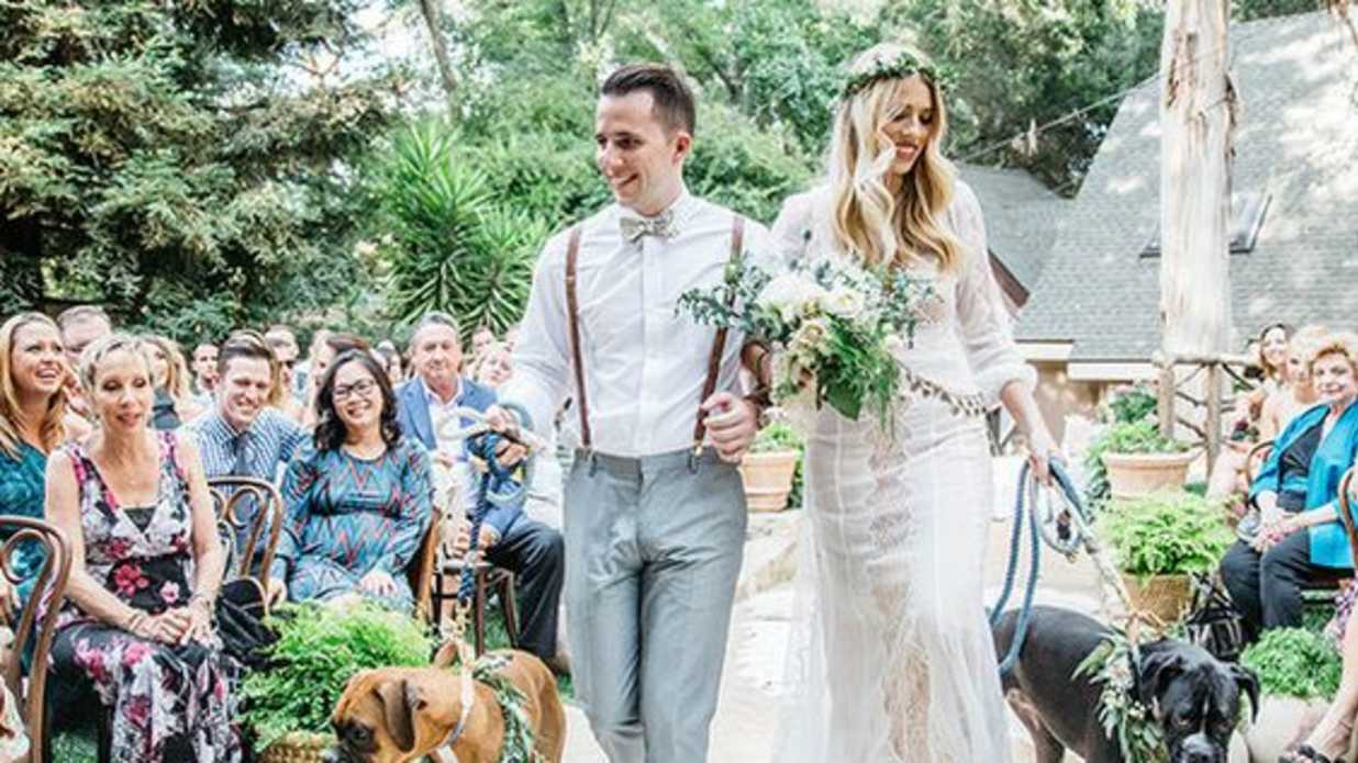 15 Adorable Ways to Include Your Dog in Your Wedding