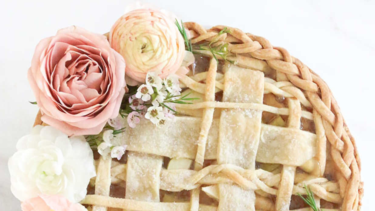 Seven Ways to Serve Pie at Your Wedding