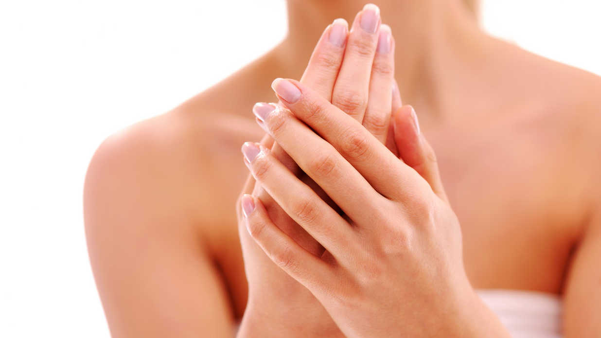 6 Ways to Make Your Hands Look 10 Years Younger