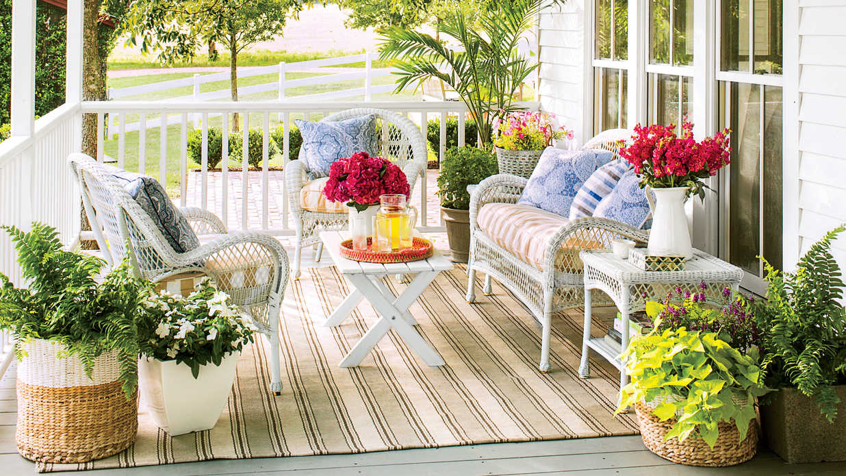 9 no fuss floral decorating ideas for your front porch southern living. Black Bedroom Furniture Sets. Home Design Ideas