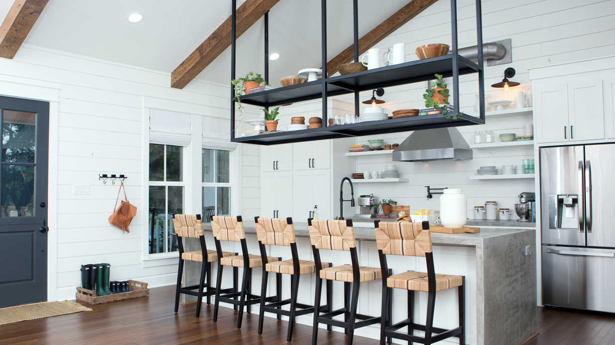 The Most Dramatic Before and Afters From Last Night's Fixer Upper Season Finale