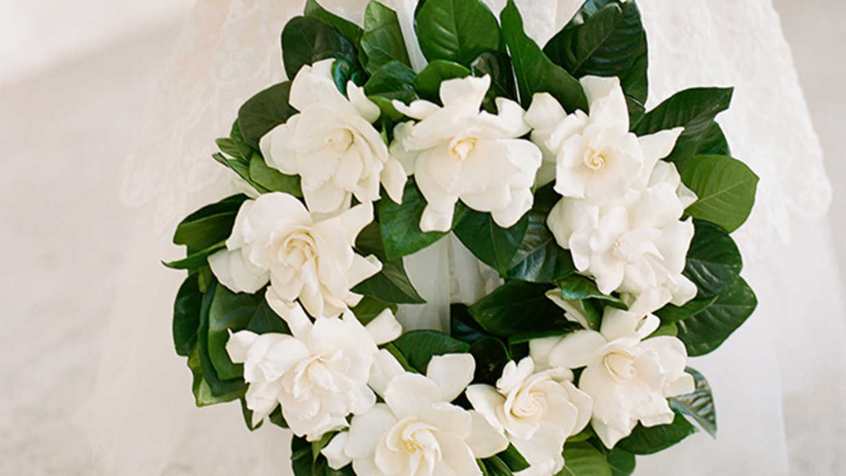 10 Ways to Incorporate Gardenias Into Your Wedding