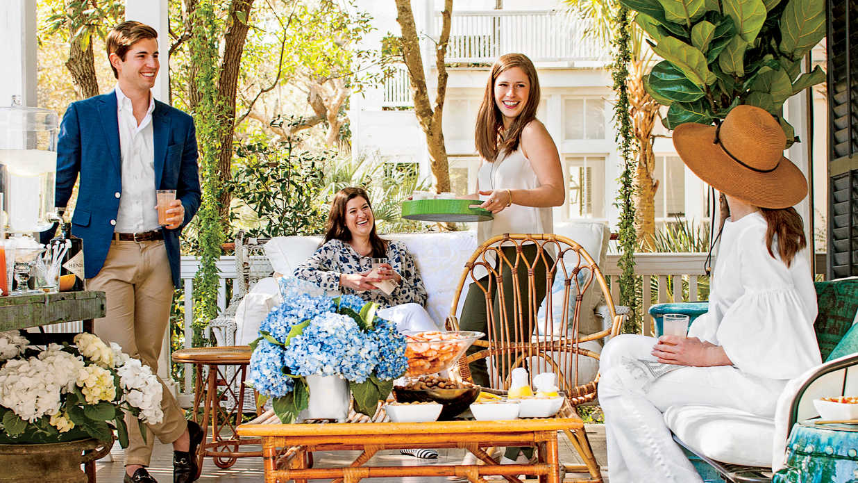 5 Tricks for Pulling Together a Last-Minute Porch Party