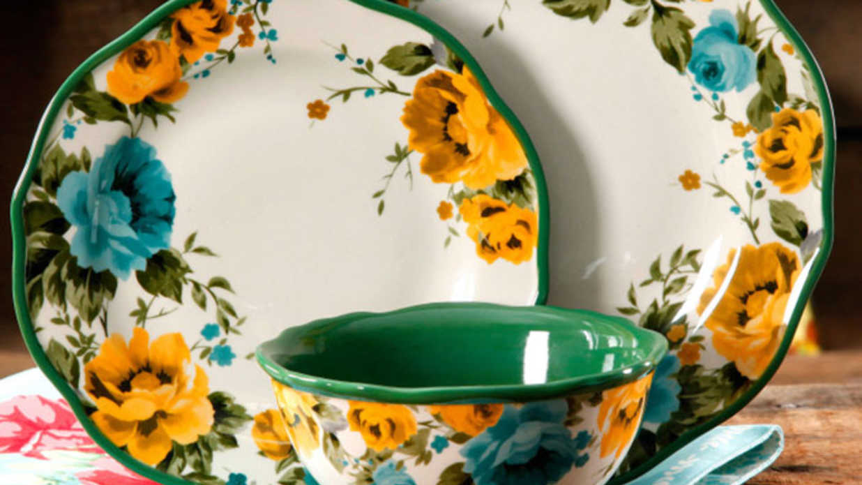 All the Kitchen Essentials We're Buying from Pioneer Woman Ree Drummond's Spring Line