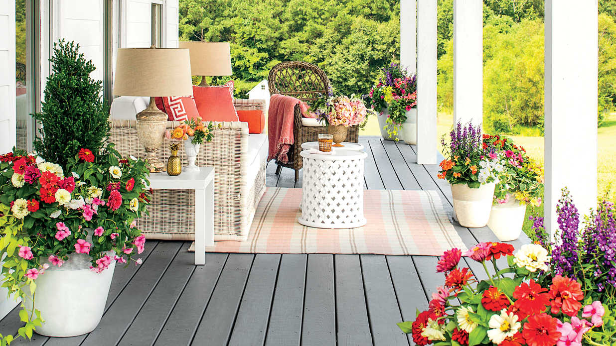 How to Find the Best Porch Decor at HomeGoods