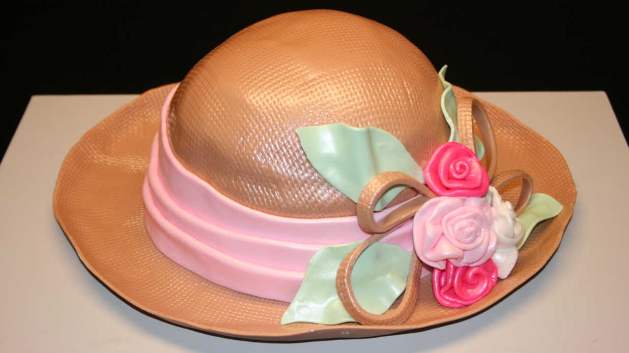 17 Delightful Derby Hat Cakes You Must See