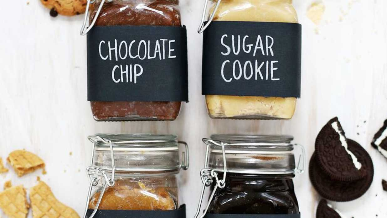Edible Christmas Gifts for the Holiday Hostess