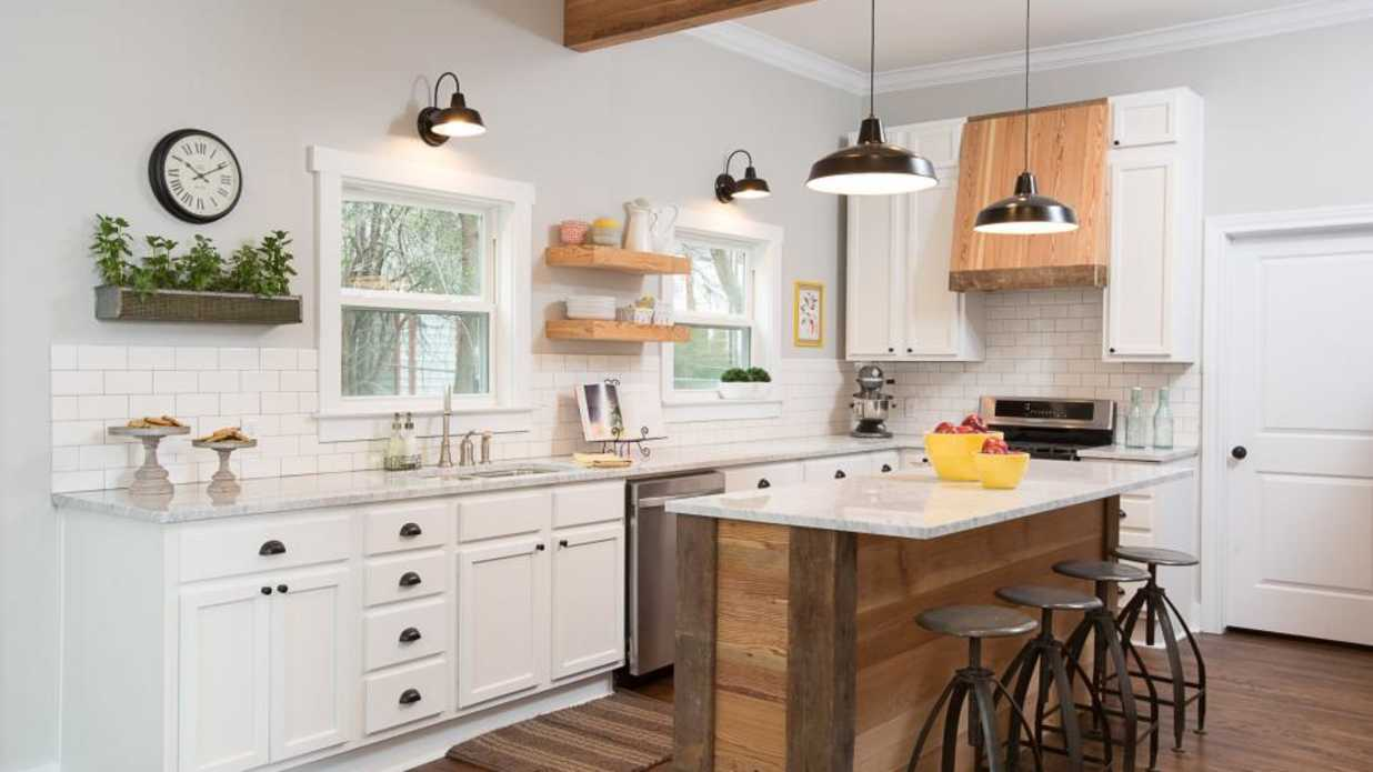 Pictures Of Small Kitchen Design Ideas From Hgtv: We Finally Know Why We Can't See All The Rooms On Our