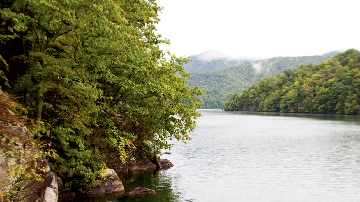 10 Lakes That Prove Southerners Know Where to Head When It Gets Hot