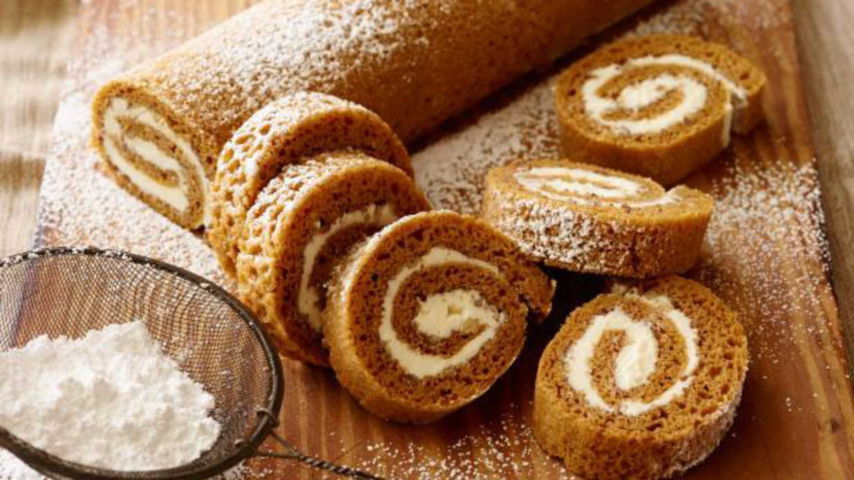 11 Crazy Delicious Pumpkin Roll Recipes