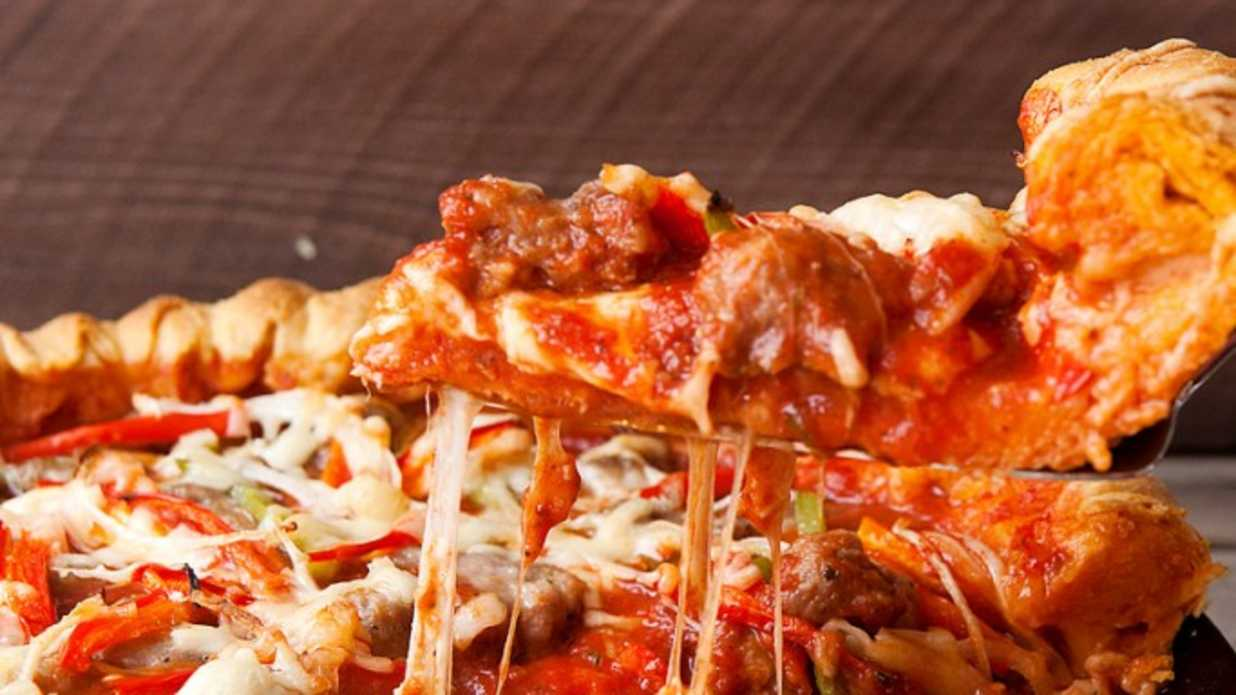 15 Deliciously Popular Pizza Toppings