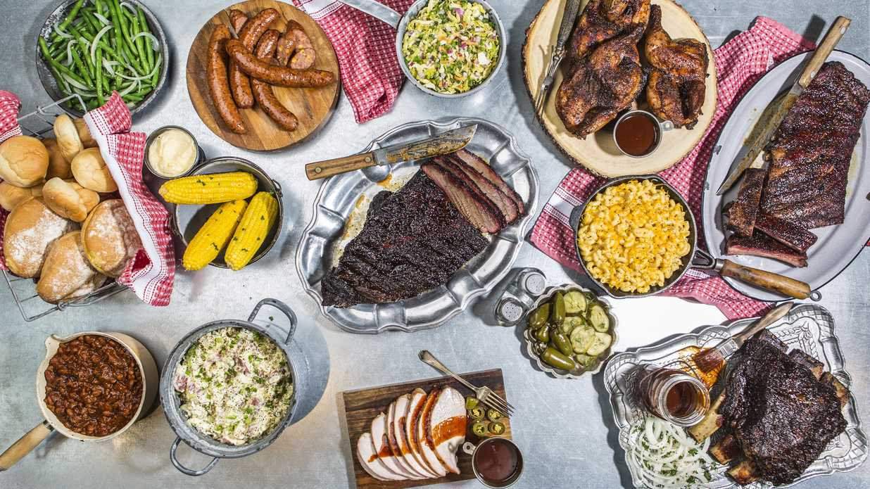 virgils barbecue road trip cookbook the best barbecue from around the country without ever leaving your backyard