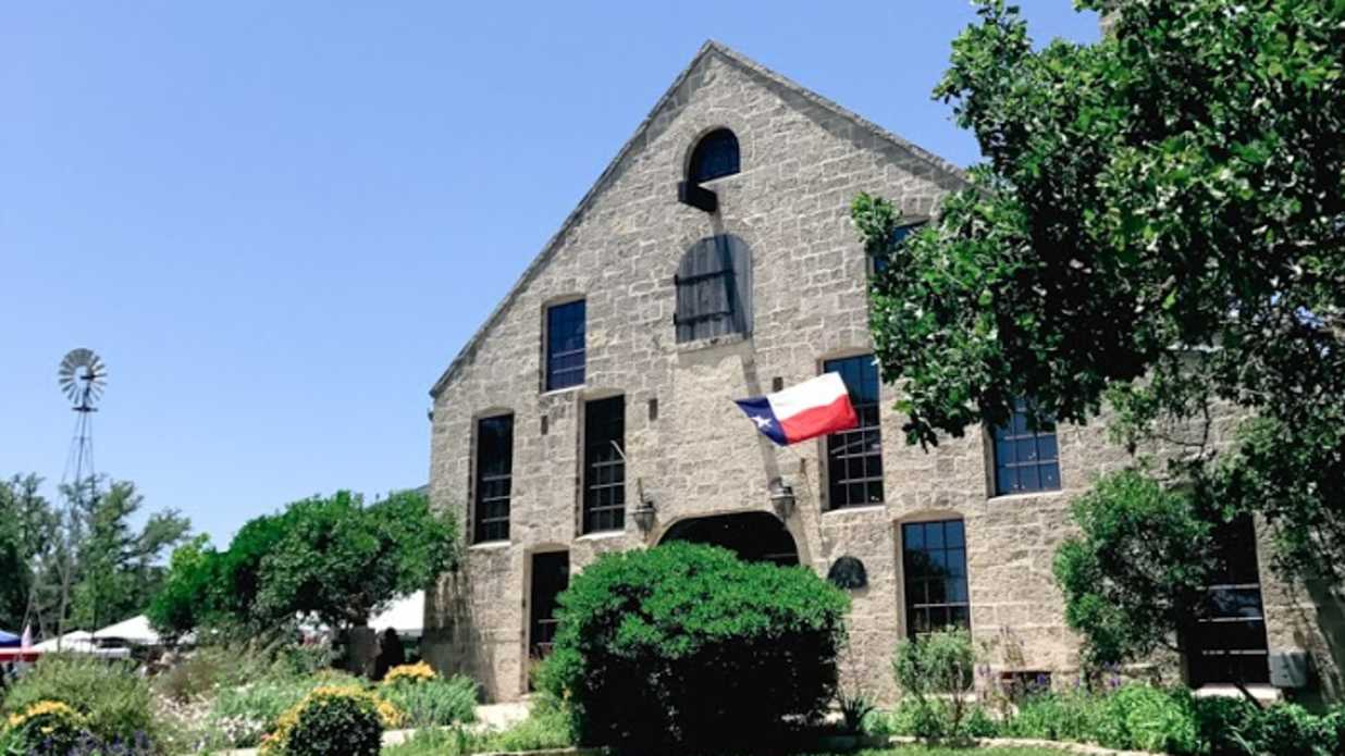 4 Texas Towns You Should Visit Now