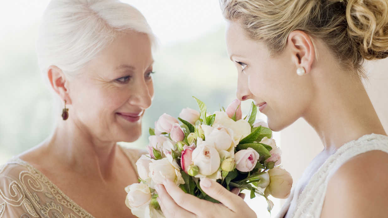 10 Meaningful Ways to Include Family in Your Wedding