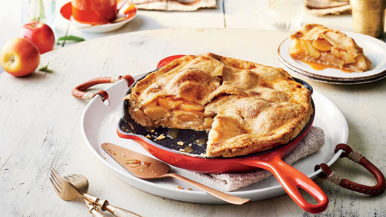 These Cast-Iron Recipes Will Take You From Breakfast to Dessert