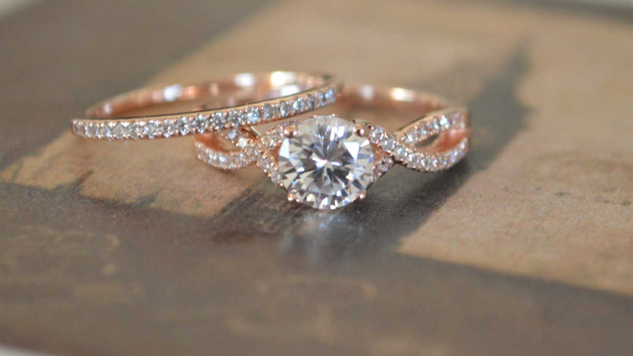 Breathtaking Rose Gold Engagement Rings