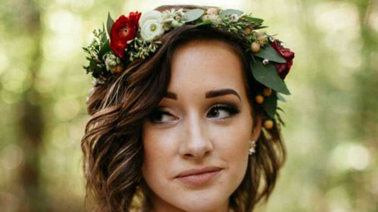 Stunning short hairstyles for your wedding day southern living izmirmasajfo