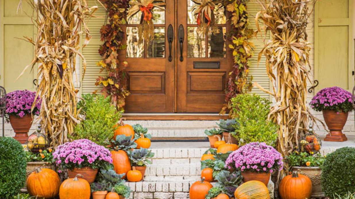 Perfect Pumpkin Ideas For Your Southern Porch