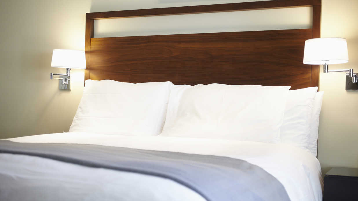 How To Spot Bed Bugs In Your Hotel Before It S Too Late