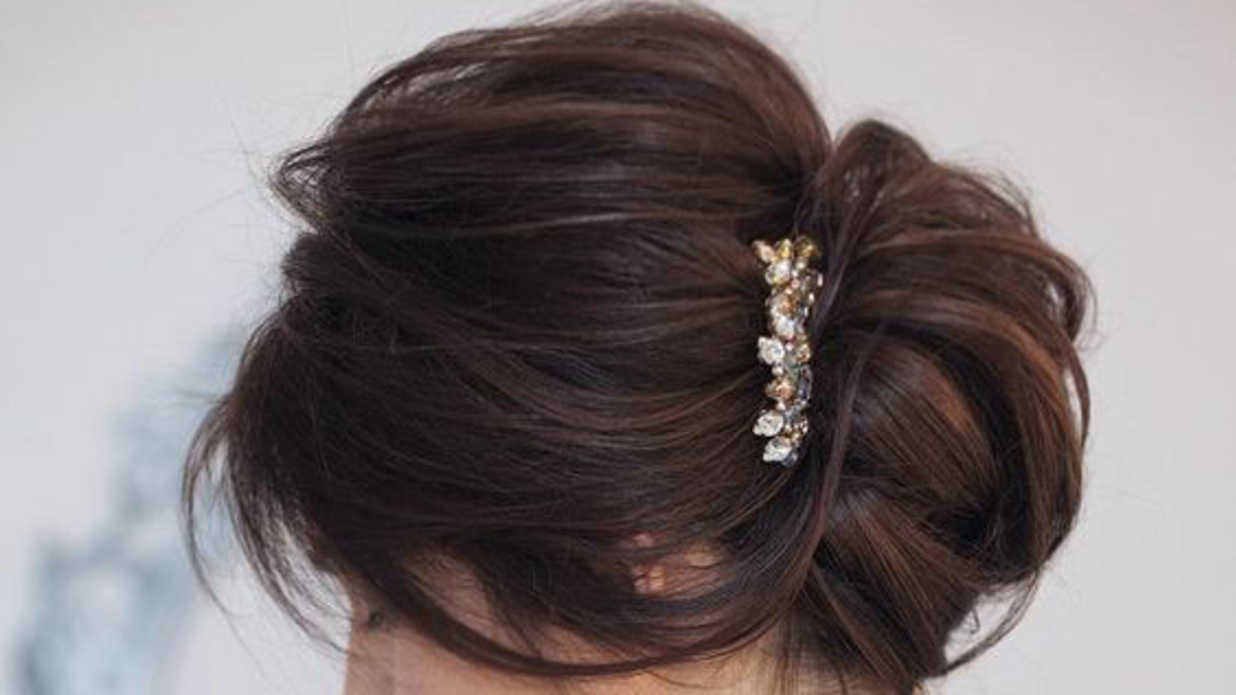 Simple Yet Pretty Diy Day To Night Chignon Hairstyle