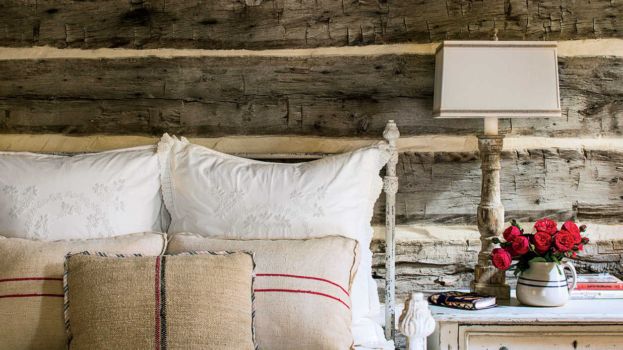 Nine Ways to Use Barnwood in Your House