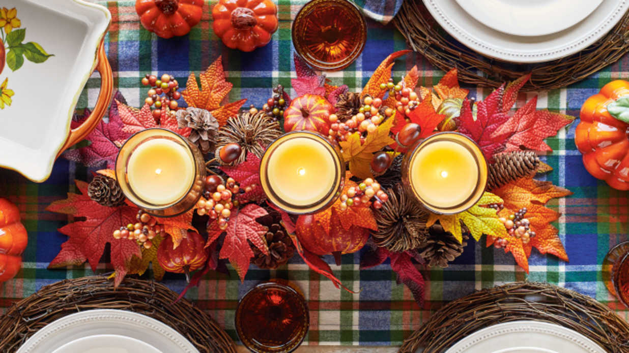 Beautiful Candle Centerpieces for Your Thanksgiving Table