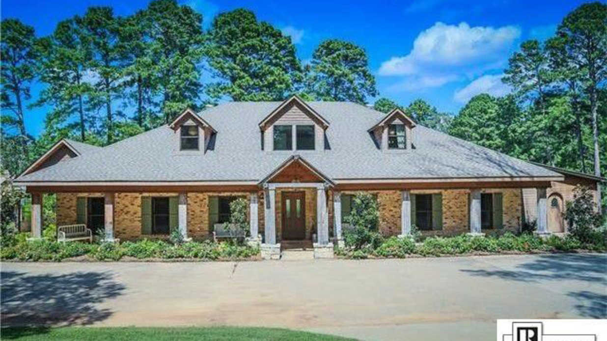 Jep robertson 39 s home is for sale southern living for Southern living homes for sale
