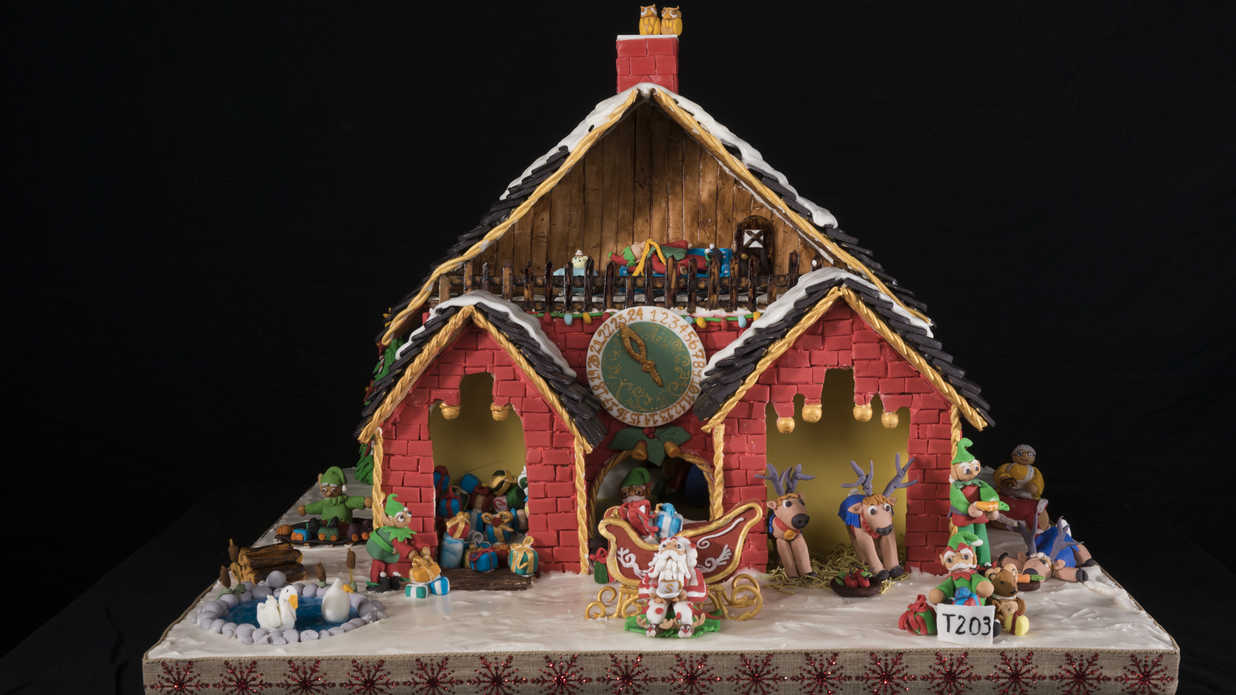 Impressive Gingerbread Houses We Wish We Could Move Into This Holiday Season